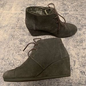TOMS suede Booties Dark Gray